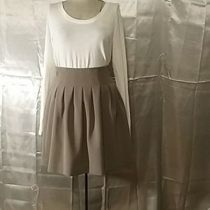 Final Price Greige pleated mini skirt by HM Size 4